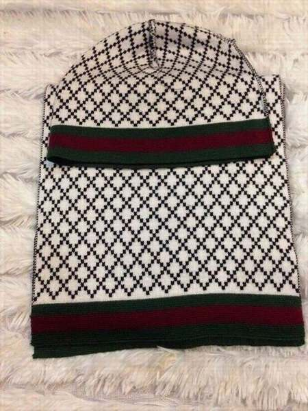 3212b3a6b44a femme foulard rouge django,foulard louis vuitton homme prix,foulard carre  soie pas cher