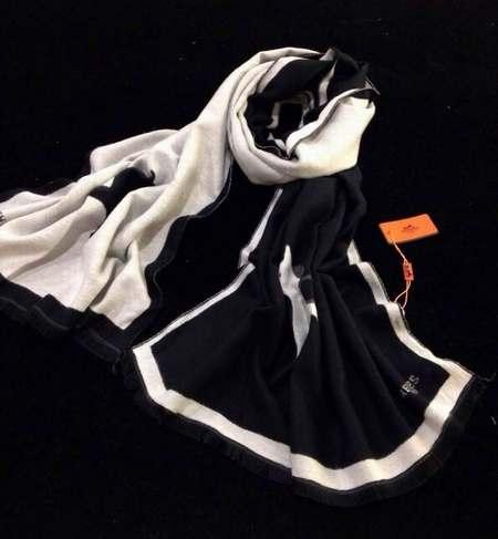 6ca7d6ab9c6c foulard mcqueen homme,foulard homme comment nouer,foulard femme africaine